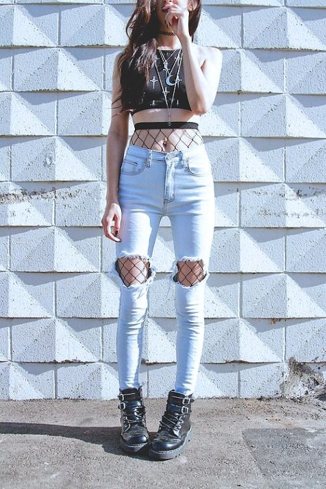 fishnets-street-style-2017-fashion-blog-casual-looks-trends2baf5cd577027f5b3ab4be808713c5f6