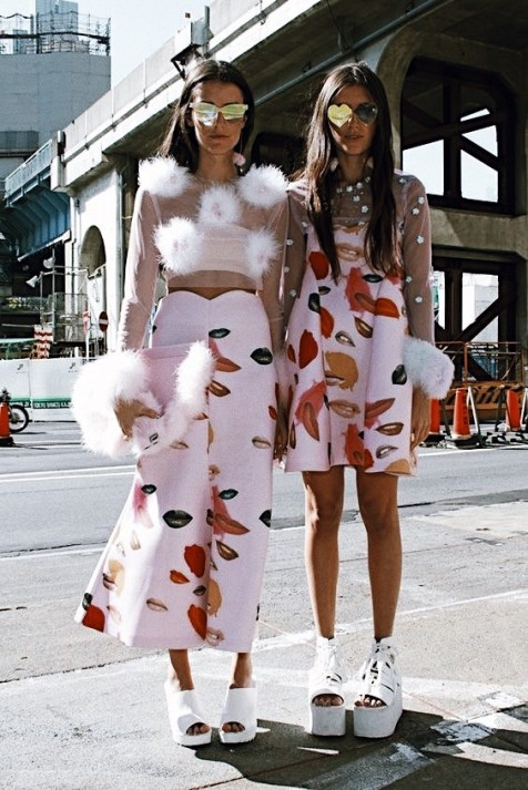 Pink-trend-street-style-2017-fashion-trends-spring-summer (10)
