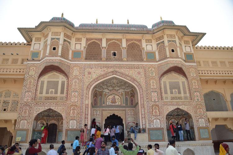 amber-fort-jaipur-facade
