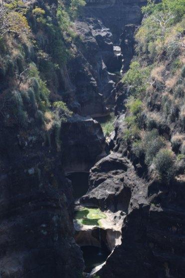 grottes-ajanta-canyon-1