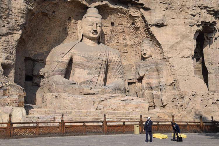 grottes-yaungang-buddha