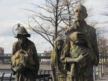 Dublin - Sur les bords de la rivière Liffey, 'Famine memorial'