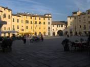 Lucques - Piazza Amfiteatro