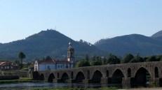 Ponte de Lima - Pont Velha et église de Santo António