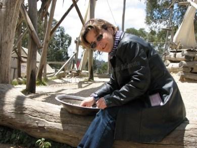 Ouest Victoria - Ballarat 'Sovereign Hill', village rescontitué à l'époque de la ruée vers l'or, moi cherchant de l'or