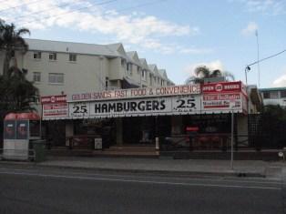 Sur la route entre Surfer Paradise et Brisbane - Ouvert 25 heures