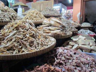 Yogyakarta - Marché traditionnel 'Beringharjo', poissons séchés