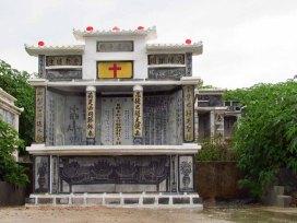 Environs de Pyin Oo Lwin - Cimetière, tombes chinoises