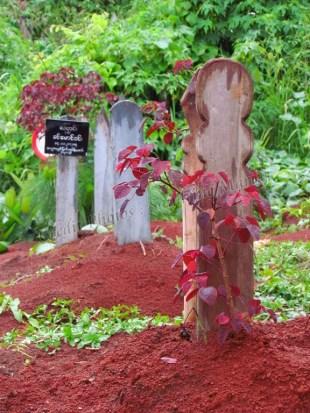 Environs de Pyin Oo Lwin - Cimetière, tombes musulmanes