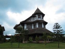 Environs de Pyin Oo Lwin - Maison coloniale, Maison de gouverneur