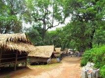 Kinpun - Village, sur le chemin du golden rock