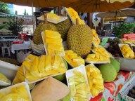 Bangkok - Ile de Rattanakosin - Nourriture de rue, fruit Durian qu'on trouve partout en Asie du sud est