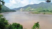 Sur la route, le long du Mékong, vue sur le Laos
