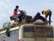 Nong Khiaw - Sur la route - Station de bus_'tout est possible'