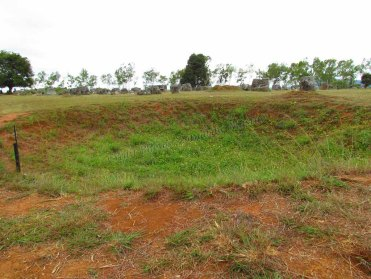 Phonsavanh - Plaines de jarres - Site 1, cratère de bombe