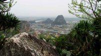 Danang - Vue sur Hoa Son (Mountain of Fire) et Kim Son (Mountain of Metal)
