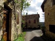 Tarn - Puycelsi, au hasard des rues
