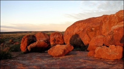 Sur la route entre Darwin et Alice Spring - Devil's marbel - Coucher du soleil