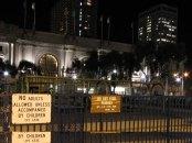 Californie - San Francisco - Au hasard des rues - Signalisation 'adultes non autorisés à moins d'être accompagné d'enfants