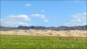 Sur la route des dunes de sable 'Khongor'