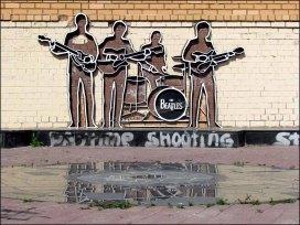 Yekaterinbourg - Au hasard des rues, statue 'Beatles'