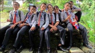 Pokhara - Sur le chemin de la 'World Peace Pagoda', rencontres