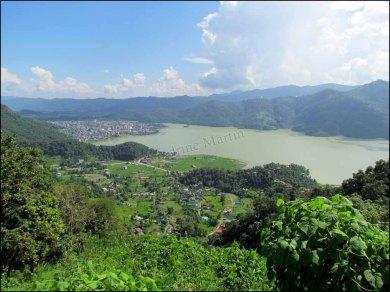 Sur le chemin de Sangarkot, lac 'Phewa'