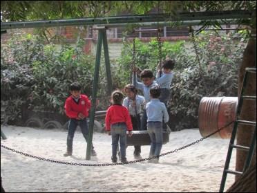 Faizabad - Ecole Jingle Bell, cours de récréation
