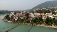 Rishikesh - Rivière 'Gange', rives, pont suspendu 'Lakshman Jhula'
