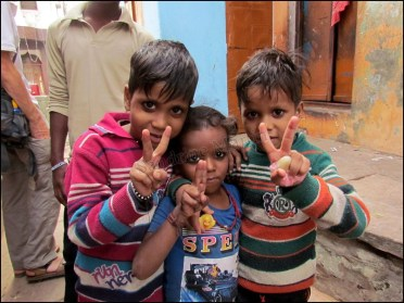 Varanasi - Au hasard des rues, les enfants