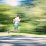 ランニング中の前傾姿勢を意識しながら走るには?