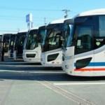 マラソン大会の駐車場が遠くてシャトルバスに乗る。荷物や貴重品はどうする?