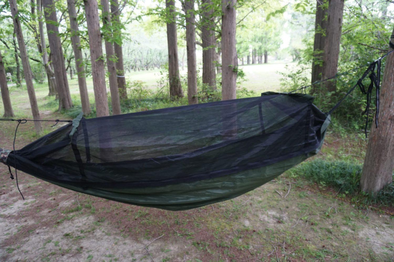 蚊帳の側面図