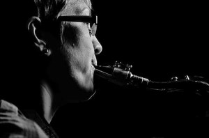 Image of Helena Summerfield on saxophones and flute performing for Declaration