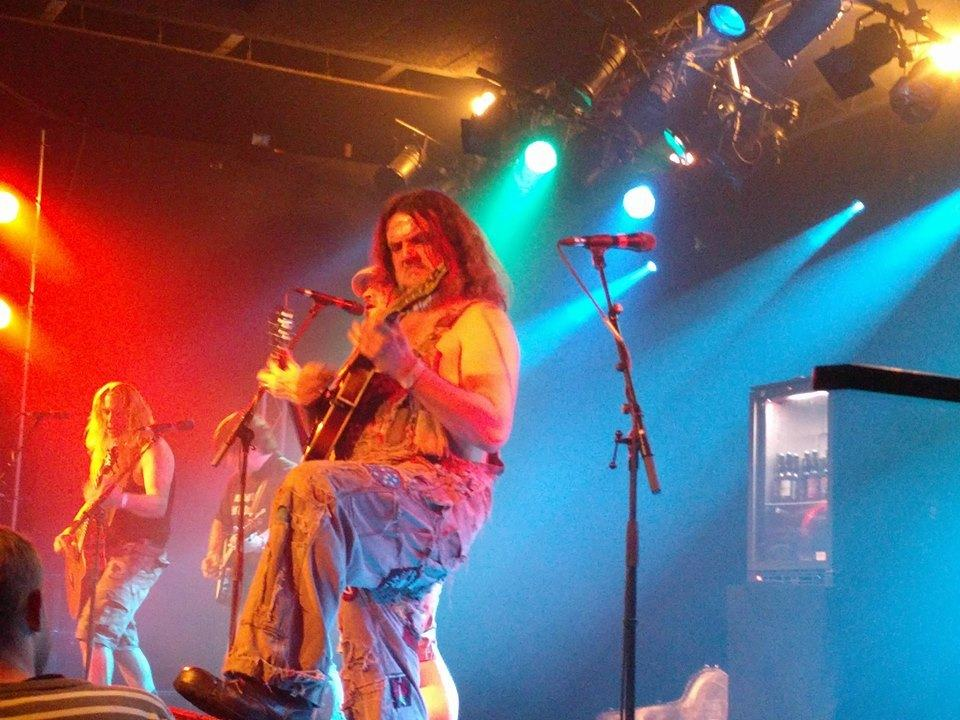 Bluegrass-tribute med attituden i orden