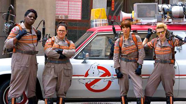 Ghostbusters (2016) Cast in uniform