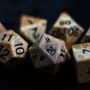 Coral Fossil:Full-Sized 16mmPolyhedral Set