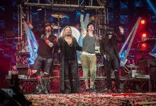 """Yhtye joka tuhosi itsensä: Mötley Crüe """"The End"""" elokuva-arvio"""