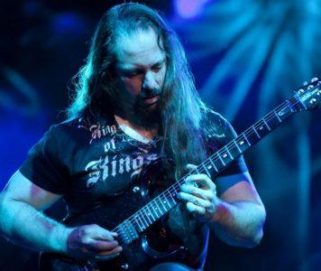 John Petrucci: Dream Theaterin seuraavasta levystä perinteistä ja raskasta progemetallia