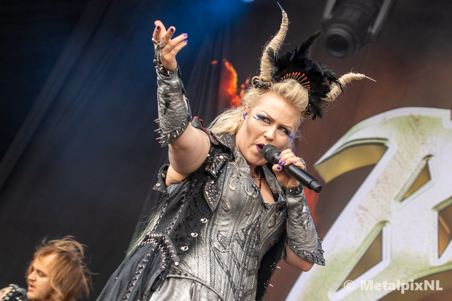 Battle Beast – Into The Grave