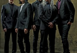 583929 - The Vibe At A PERFECT CIRCLE Show Has Changed After They Banned Cellphones