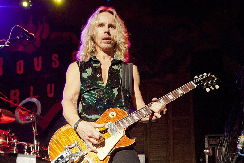 """Tommy Shaw - STYX's Tommy Shaw Rules Out Reunion With Dennis DeYoung: """"I Want To Be Happy"""""""