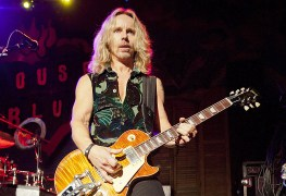 "Tommy Shaw - STYX Frontman Pays Tribute To Vinnie Paul: ""From Mega Success To Tragedy, He Was Amazingly Unaffected By It All"""