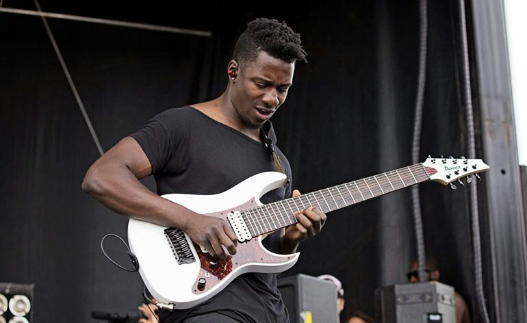 tosin AAL - Tosin Abasi Explains Why ANIMALS AS LEADERS Don't Have a Bassist