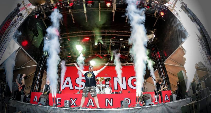 ASKING ALEXANDRIA 02 1 - FESTIVAL REVIEW: DOWNLOAD FESTIVAL 2018 Live at Donington Park, UK - Day 2 (Saturday)