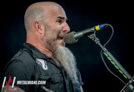 Anthrax 10 - Guitarist Scott Ian Explains How ANTHRAX Decides Which New Songs To Include In Its Setlist