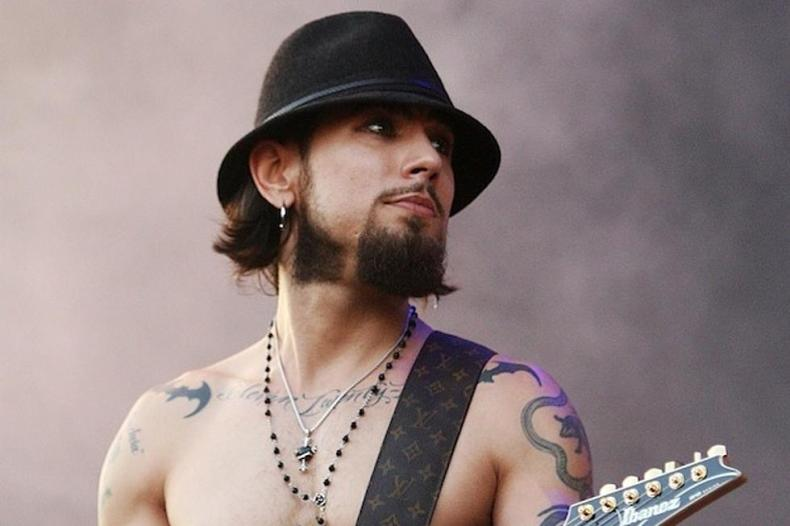 "Dave Navarro - RED HOT CHILI PEPPERS Guitarist Opens Up on Contemplating Suicide: ""I Have Been There, Written 'The Note,' Had the Plan"""