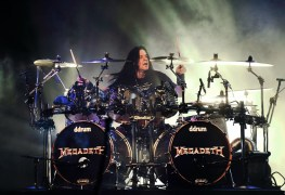 """Shawn Drover - Ex-MEGADETH Drummer Shawn Drover's Advice To Young Musicians: """"Stay in College"""""""