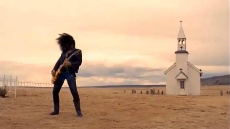 slash november rain video - Slash Admits He Didn't Really Like the Elaborate Production of GUNS N' ROSES' 'November Rain' Video