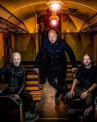 "Soilwork 2019 - EXCLUSIVE: ""Verkligheten"" - A Track By Track Run-Through of SOILWORK's 11th Studio Album"